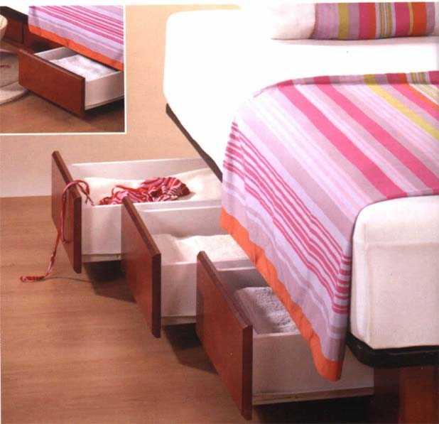 Camas con cajones para ganar espacio dormitorio decora for Cama queen size con cajones