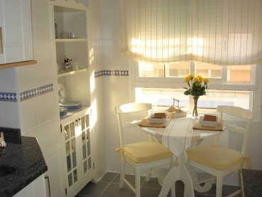 Consejos para decorar un office o comedor de diario for Cocina con comedor diario
