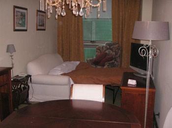 Decorando espacios muy peque os tip del dia decora ilumina for Decorar piso pequeno fotos