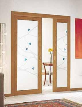 Elegantes puertas de vidrio para el interior de tu casa for Puertas madera y cristal interior