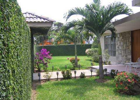 Decoracion de jardines con fuentes y esculturas www - Jardines de casas pequenas ...