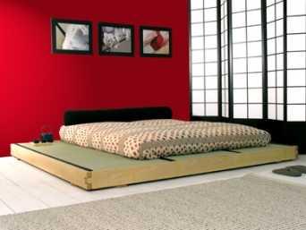 Camas a ras del suelo dormitorio decora ilumina for Cama tipo japonesa