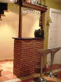 Ladrillos y piedras decorativas tendencias decora ilumina for Barras de bar rusticas