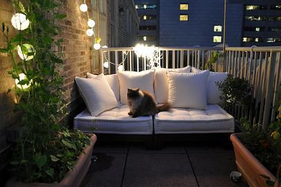 colores fluor y estilo retro las ltimas tendencias en decoracin pueden ayudarte a conseguir una terraza muy actual consigue unos muebles de rejilla muy