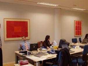 Decora tu espacio en la oficina de manera placentera y for Decora tu oficina