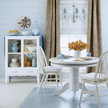 Ideas para renovar un comedor de muebles blancos for Muebles de comedor blancos