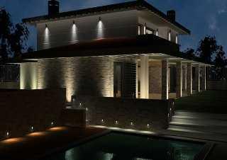 los tipos de luces variarn dependiendo del tipo de elemento que requiera destacar as como tambin del color mismo de la casa