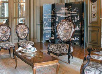a mediados del siglo xx la decoracin de interiores pasa a ser algo necesario y se va perdiendo la tendencia decorativa con un solo estilo pero esto surge