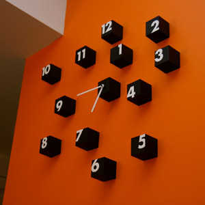 Relojes modernos para decorar tu casa tendencias decora ilumina - Relojes de pared modernos para salon ...