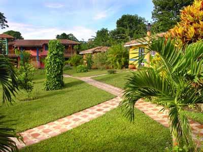 El paisajismo para la belleza de los jardines jardin for Decoracion jardin rural
