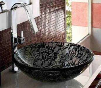 http://img.decorailumina.com.s3.amazonaws.com/wp-content/uploads/2009/09/lavabos-encaje-adatto-casa-2.jpg
