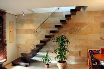 Escaleras de estilo minimalista tendencias decora ilumina for Escaleras de aluminio para interiores