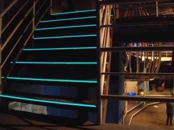 Iluminaci n decorativa para las escaleras tendencias - Luces para escalera ...