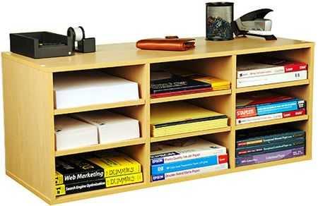 ca0cde55a Para las chicas que disponen de menos espacio, pero que quieren tener  localizados todos sus materiales, se puede incluir un mueble como estos en  la ...