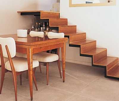 Aprovechando el espacio bajo las escaleras tendencias for Cocinas debajo de las escaleras