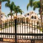 Casa cerca de la colina instalacion de puertas rejas rosario for Precio de puertas de aluminio en rosario