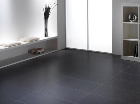 M s consejos para elegir el piso adecuado en casa pisos for Suelo negro brillante