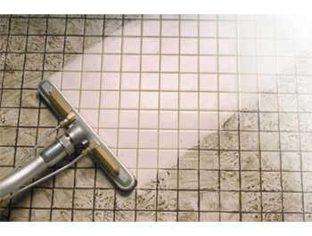 Tips para limpiar los azulejos del ba o ba o decora - Como limpiar el moho del bano ...