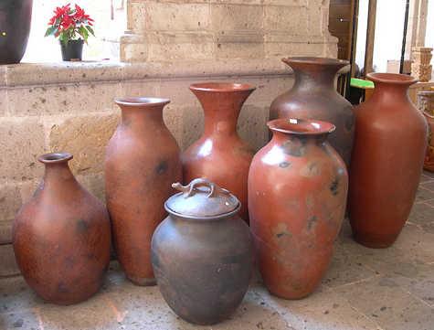 Jarrones de barro con flores decoracion jarrones de barro - Como decorar jarrones ...