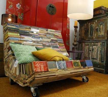 por ejemplo si eres de las y te gusta la onda vintage puedes construir tu propio mueble hecho con antiguos libros y revistas