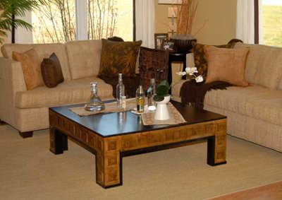 Decoraci n de mesas de centro muebles decora ilumina - Decorar mesa de centro de cristal ...