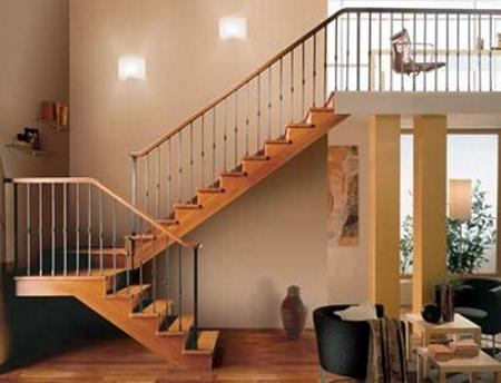Tipos de escaleras para el interior de la casa tip del for Escaleras exteriores para casas de dos pisos