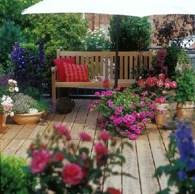Decoraci n para terrazas peque as terraza decora ilumina - Jardin en terraza pequena ...
