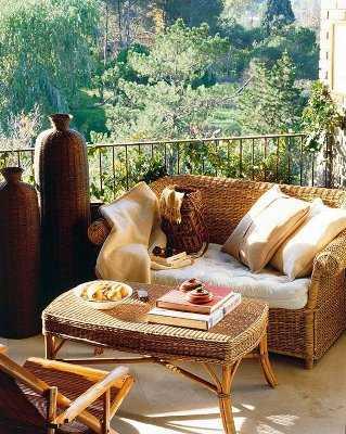 Decoraci n para terrazas peque as terraza decora ilumina for Muebles para terraza pequena
