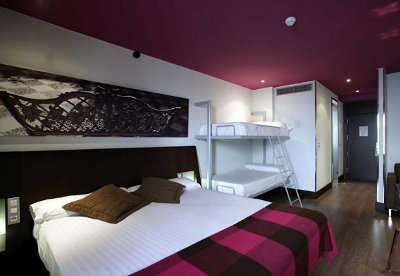 El color burdeos en la decoraci n paredes decora ilumina for Dormitorio granate