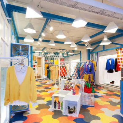 C mo decorar tu tienda de ropa tip del dia decora for Decoracion de negocios de ropa