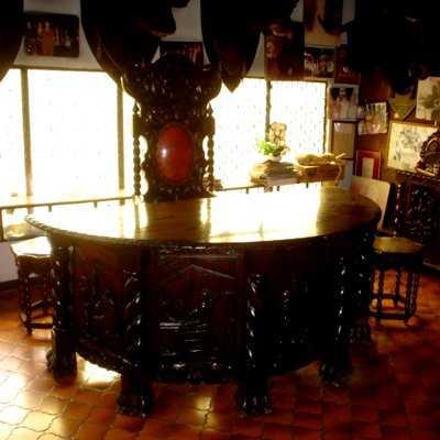 Moda retro muebles coloniales para tu sala y comedor for Modelos de comedores de vidrio