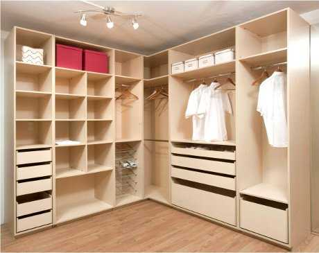 Muebles de melamina perfectos para tu dormitorio for Closet en escaleras