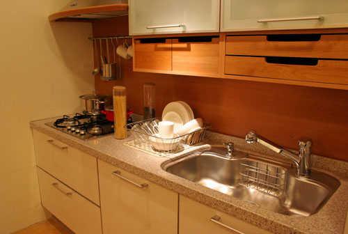 Reposteros para cocinas peque as soluciones ideales for Cocina y lavanderia juntas