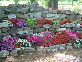 Decoraci n de jard n con piedras para tu casa jardin for Jardines decorados con plantas