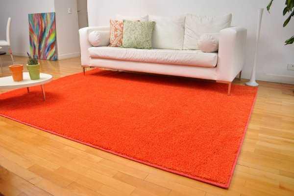 C mo decorar una sala de forma acogedora sala decora - Decoracion con alfombras ...