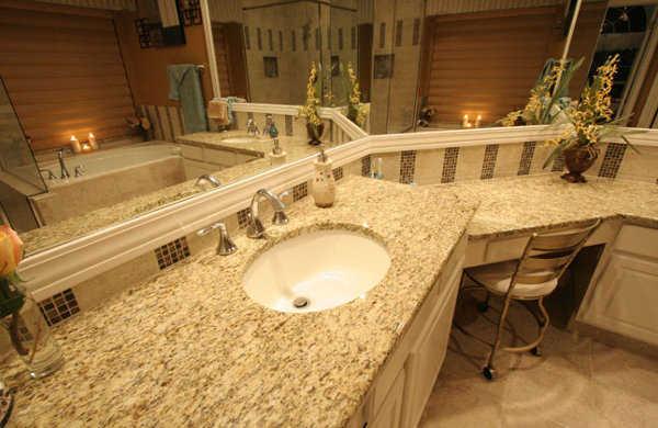 Imagenes De Baños Con Granito:Los mostradores de granito o mármol lucirán geniales en tu baño