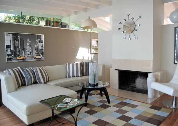 Elige los mejores cojines para tu sala minimalista for Sala casa minimalista