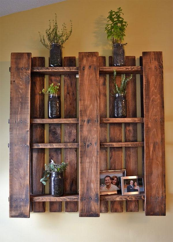 desarma los cajones de frutas y crea un lindo estante para fotos