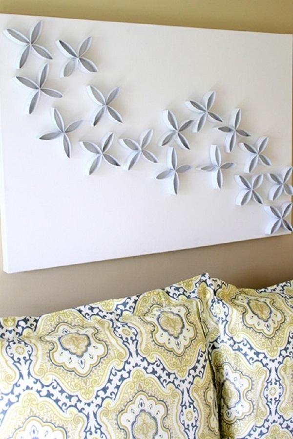 Cuadro en alto relieve con flores de cartón de papel higiénico
